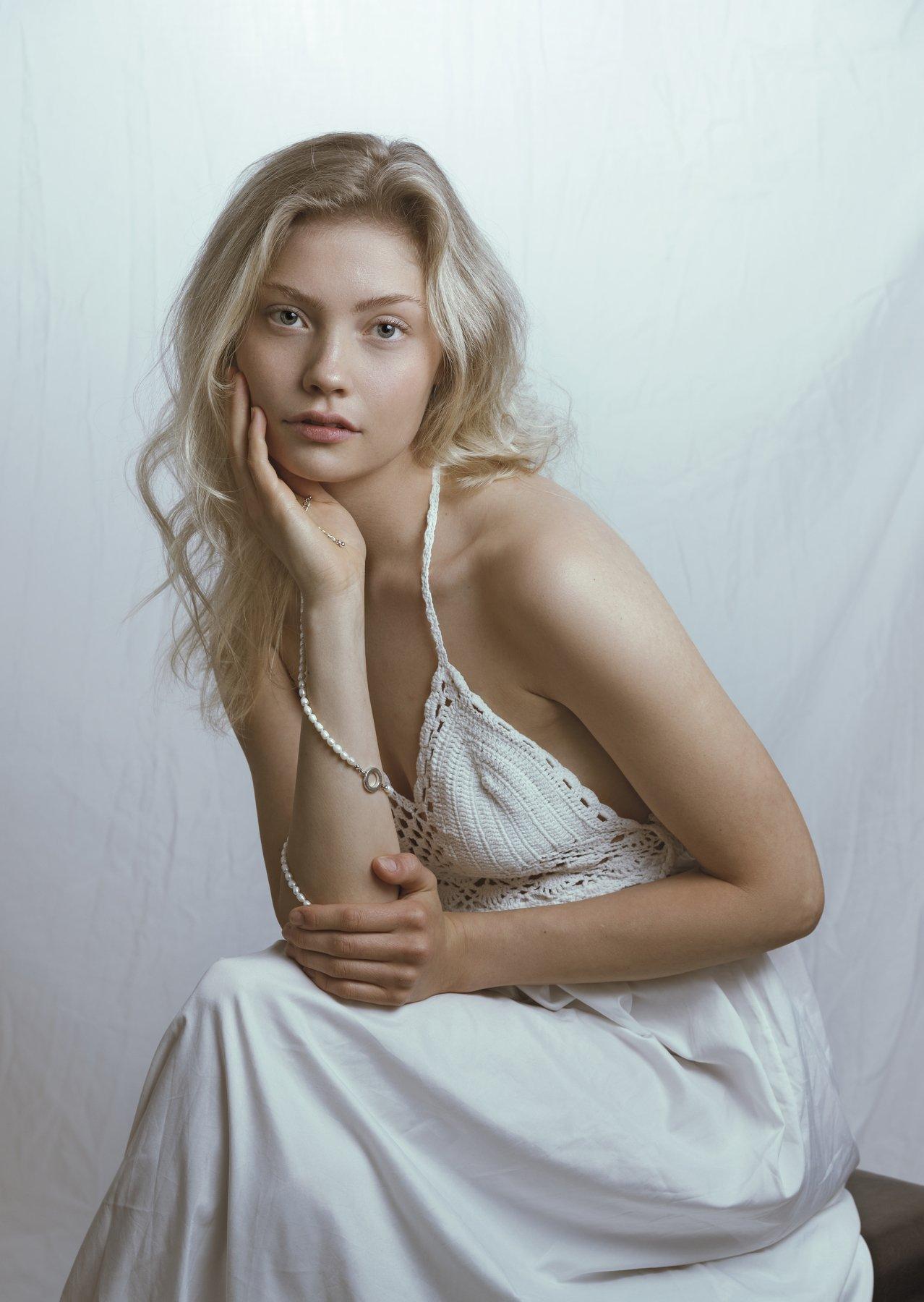 fine art , постановочная фотография ,жанровый портрет, губы , portrait , взрослая женщина, Kholodova Natalia
