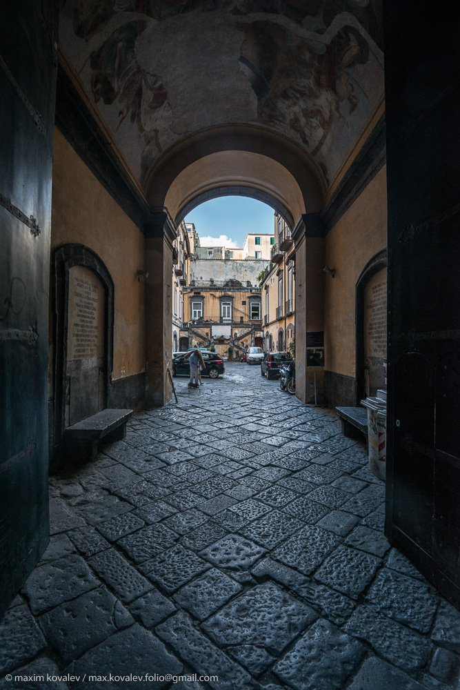 europe, italy, arch, court, gate, stone, yard, европа, италия, неаполь, арка, ворота, двор, дворик, камень, Ковалёв Максим