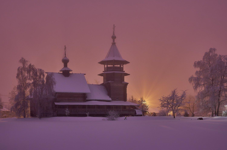 подмосковье,туман,сумерки,лучи,фонарь,церковь,храм,пейзаж,благовещенье,зима,снег,архитектура, Горшков Игорь