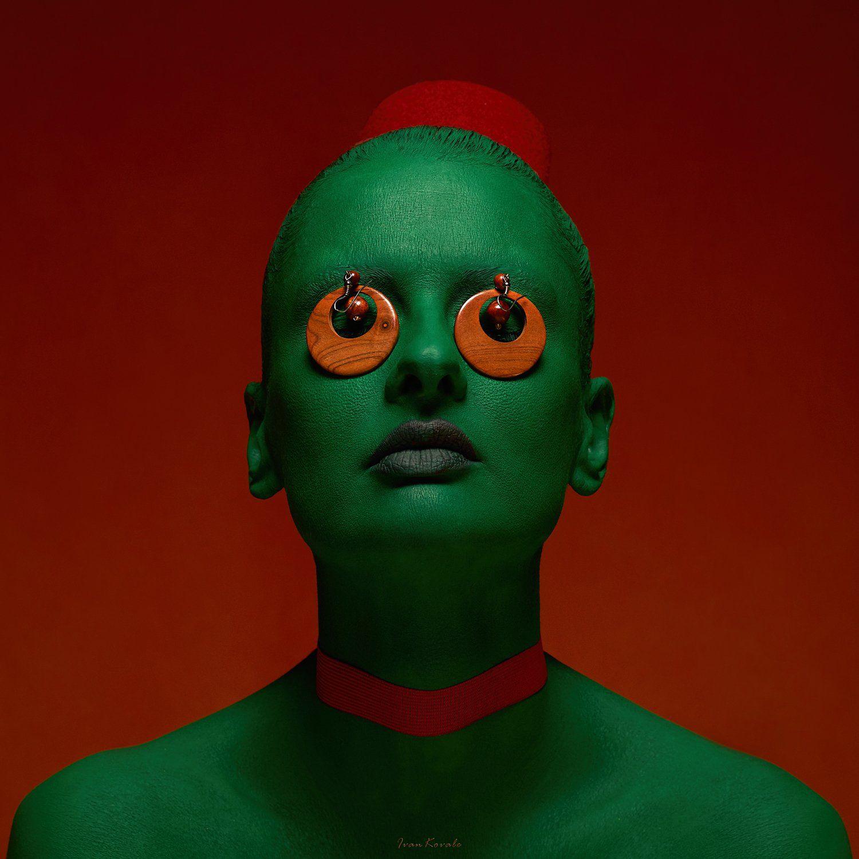 Флаг, красный, зеленый, красный, диктатура, бюллетень, глазница, на крючке, глаза, шея, удавка, кровь, Ковалёв Иван
