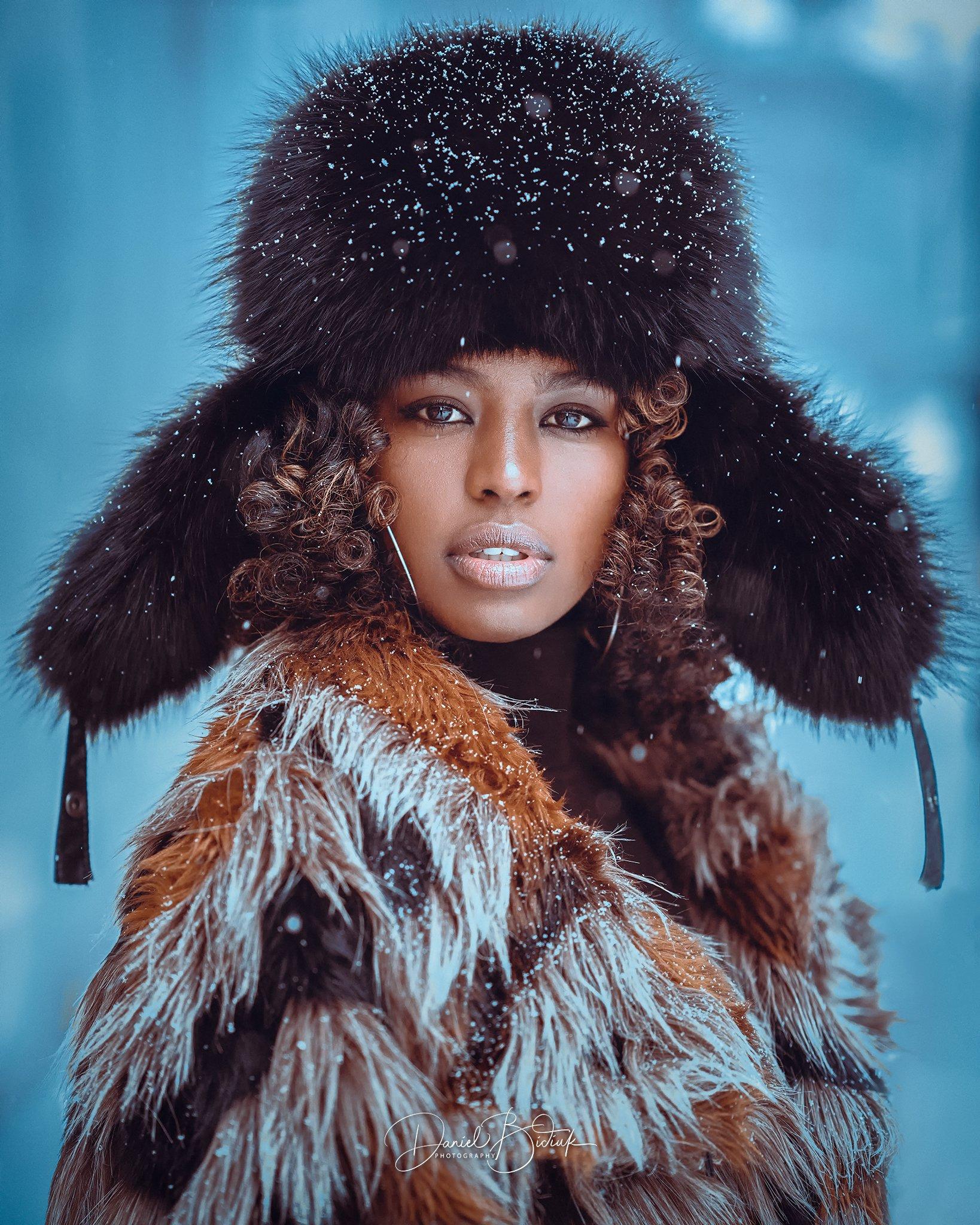 portrait uchatka fur hat girl , Daniel Bidiuk