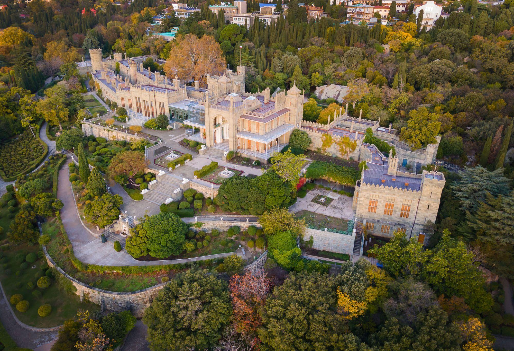 воронцовский дворец, алупка, ялта, граф воронцов, крым, пейзажи крыма, дворцы ялты, Titov Serge