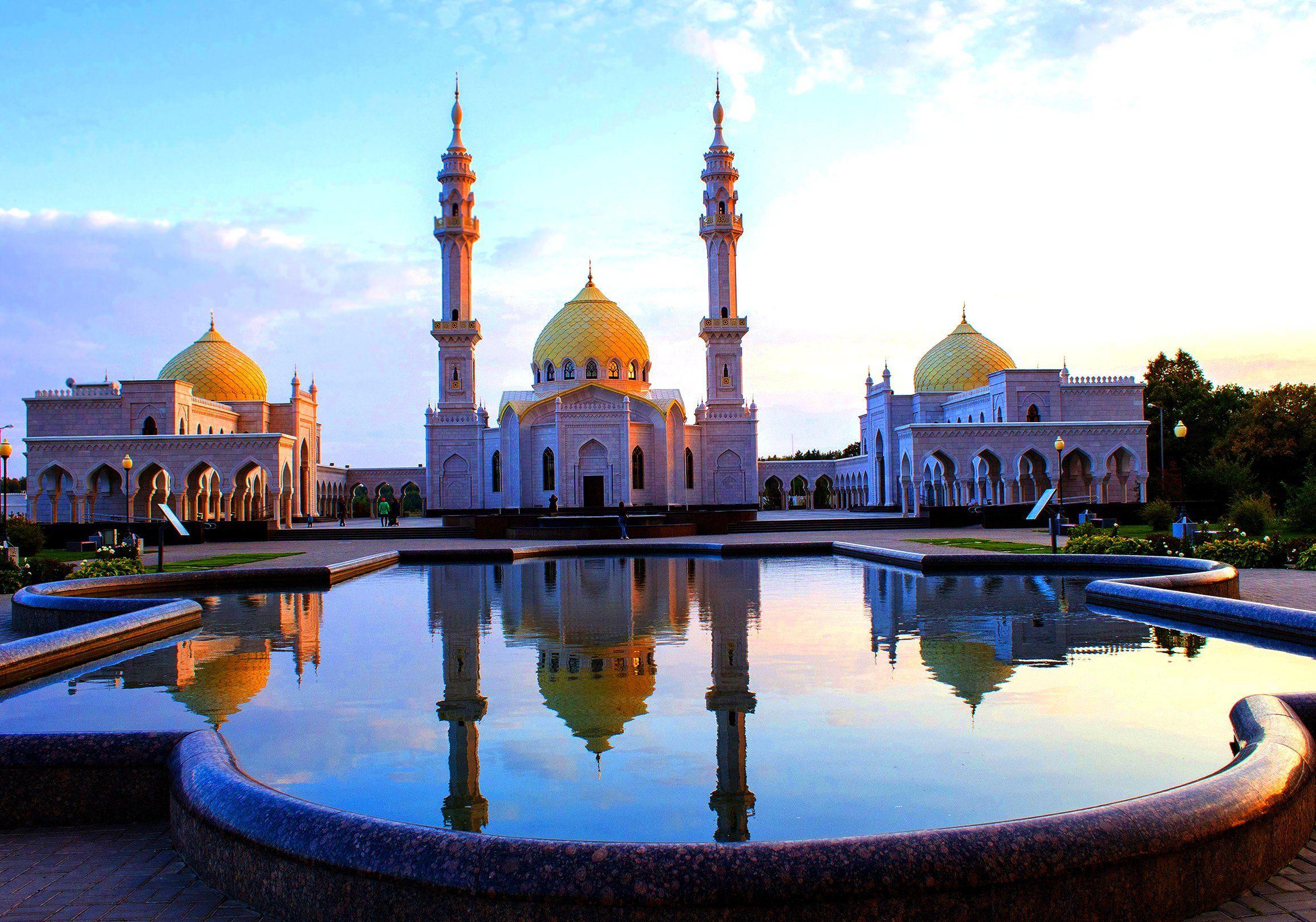 город,пейзаж,архитектура, вечер, мусульманство, мечеть, болгар, белая мечеть, отражение, Александр Кожухов