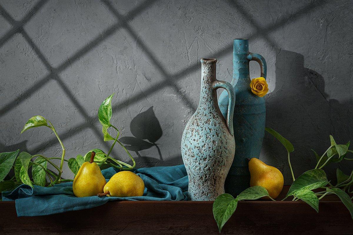 натюрморт, груши, кувшины, фрукты, свет, тени, still life, Ольга ЯR