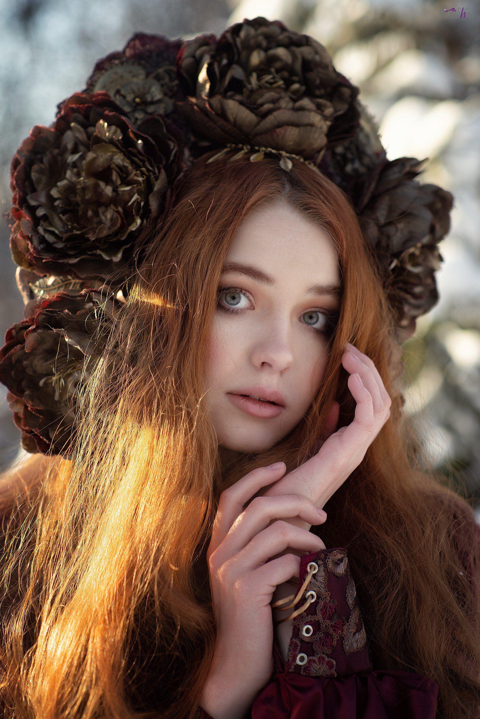 портрет, зима, красный, фентези, девушка, лес, сказка, холод, мороз, Ермакова Янина