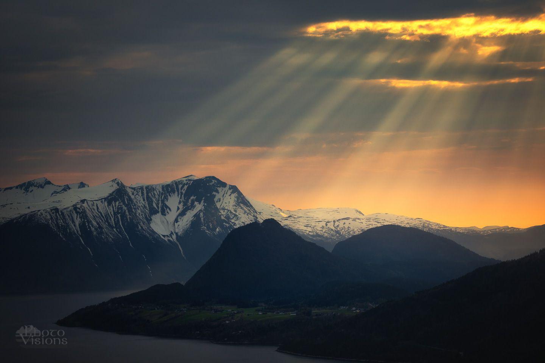 mountains,godrays,sun rays,norway,evening,sunset,, Szatewicz Adrian