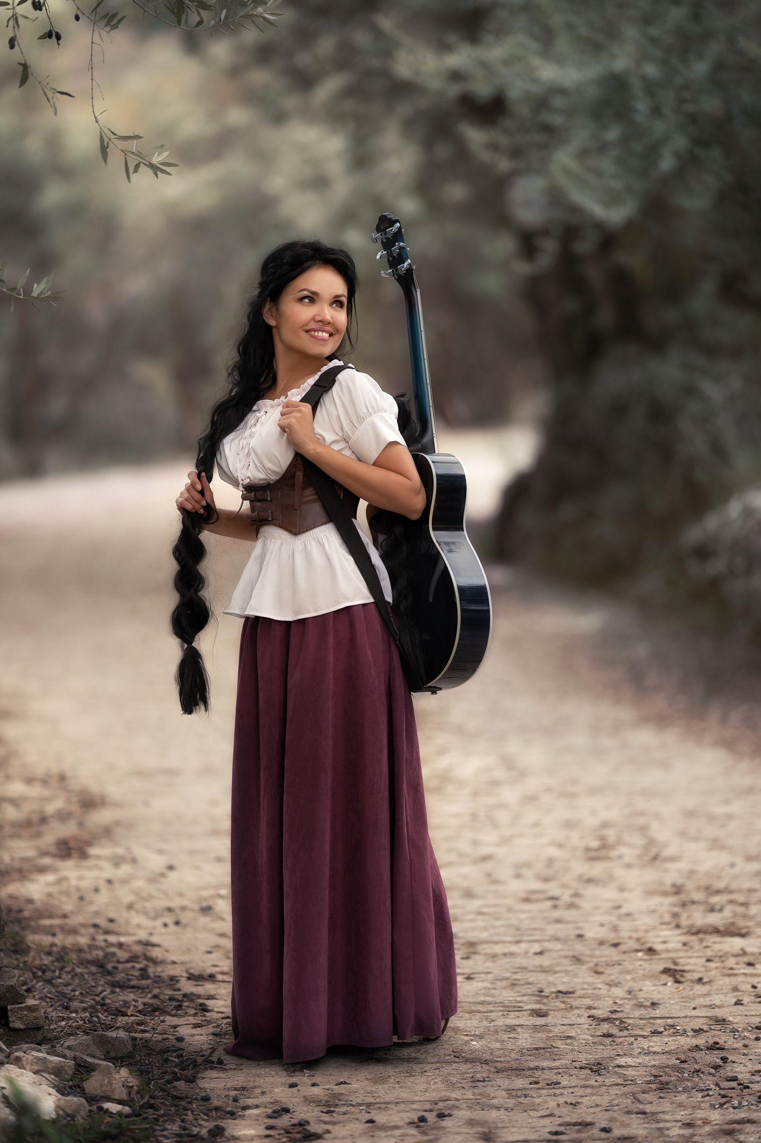 девушка гитара косички, Кузнецова Виктория