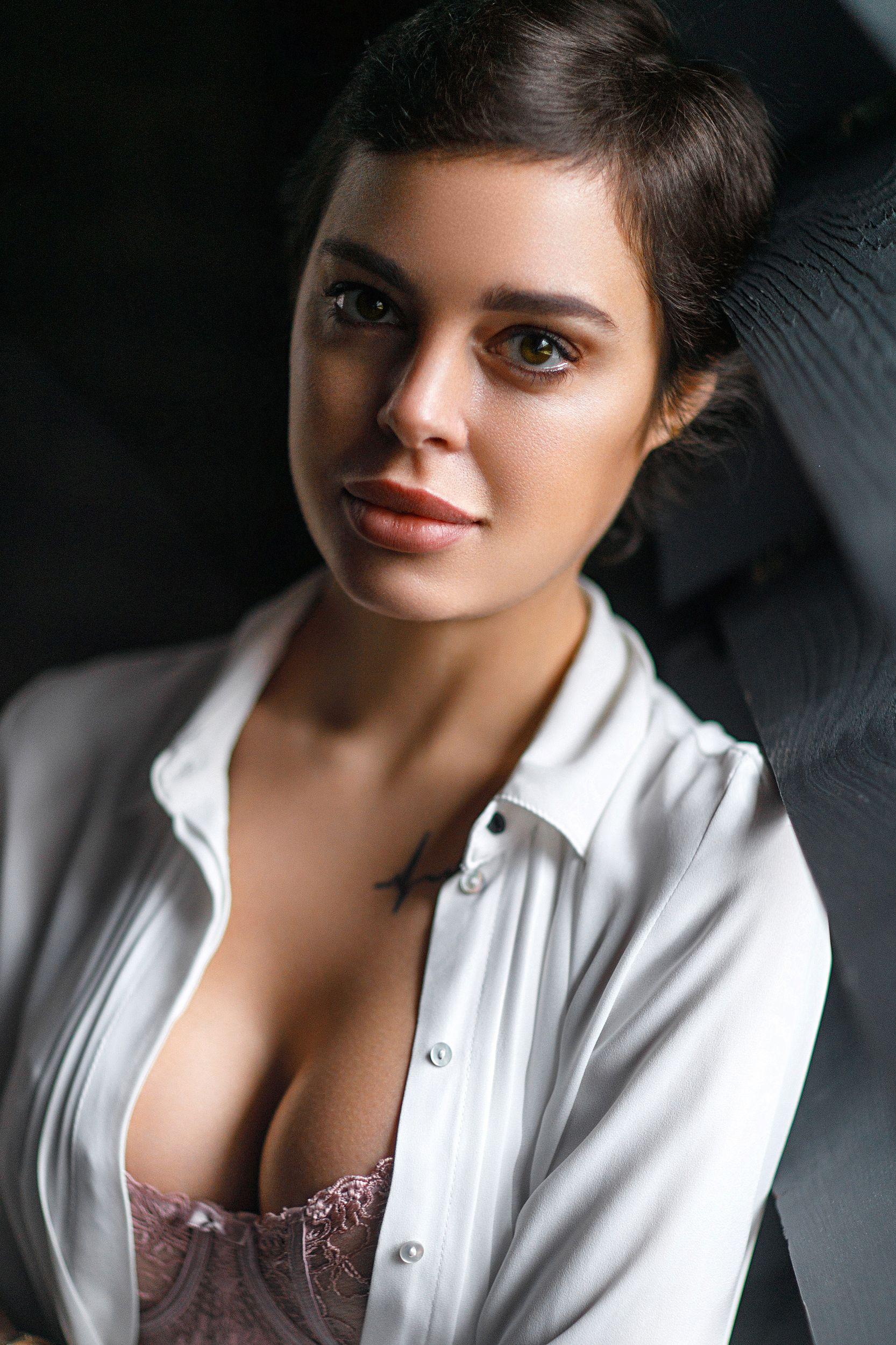 портрет девушка взгляд portrait белье красиво, Герасимов Михаил