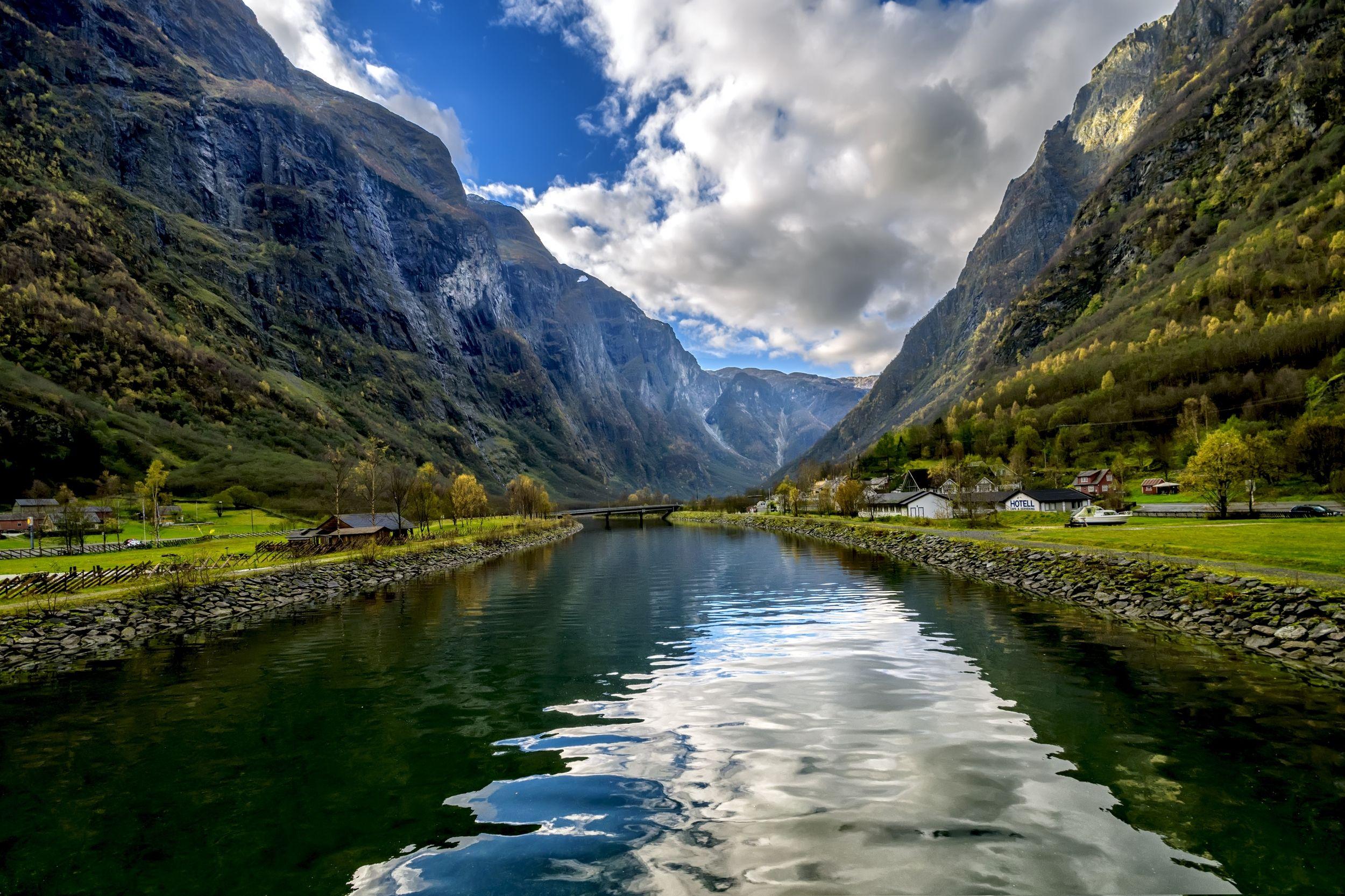 пейзаж,фьорд,горы,небо,облака,берега,домики, Тамара