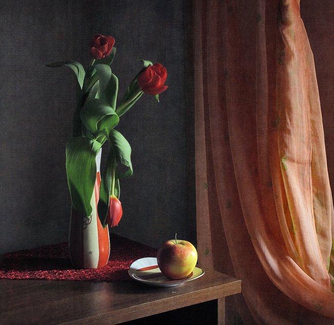 натюрморт, тюльпаны, у окна, яблоко, LudmilaNG