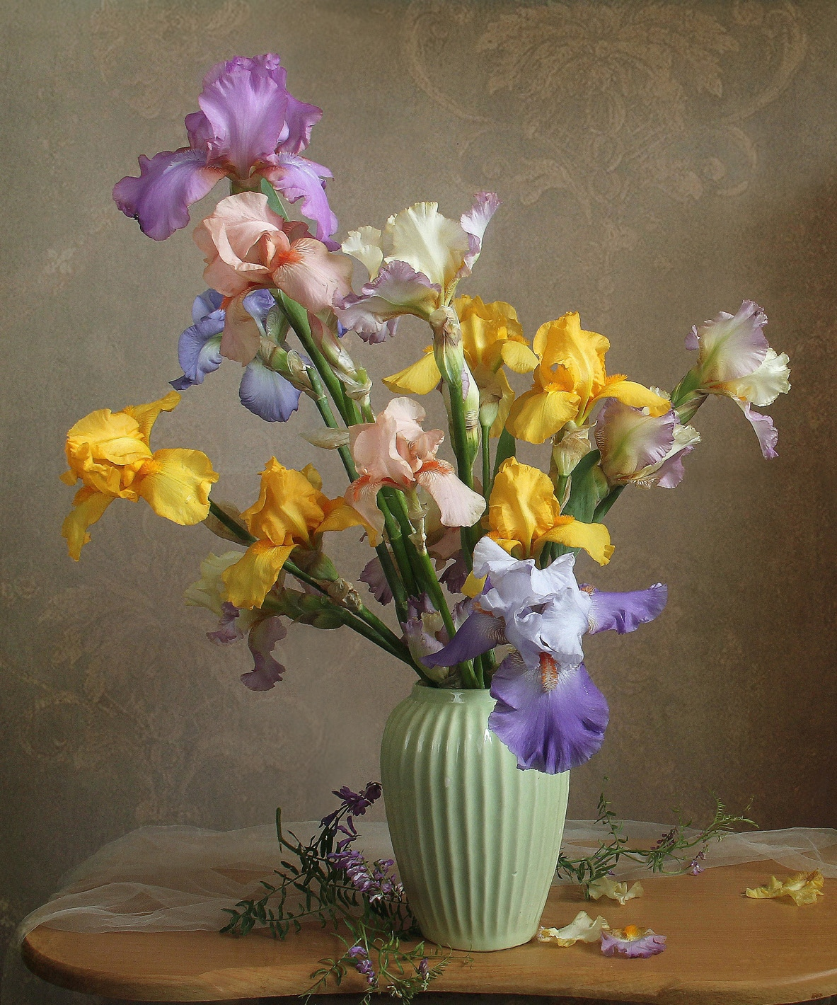 весна, натюрморт, букет цветов,ирисы, марина филатова, Филатова Марина