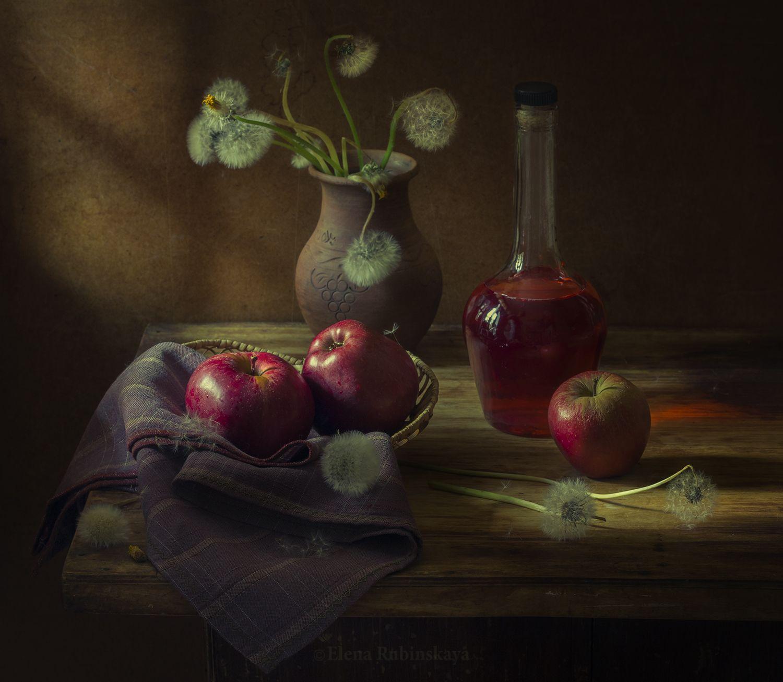 кострома,натюрморт,яблоки,вино,одуванчики, Елена Рубинская