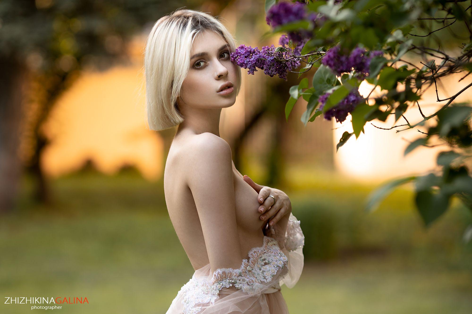 девушка, портрет, топлесс, лицо, сирень, цветы, girl, face, portrait, nude, flower, Галина Жижикина