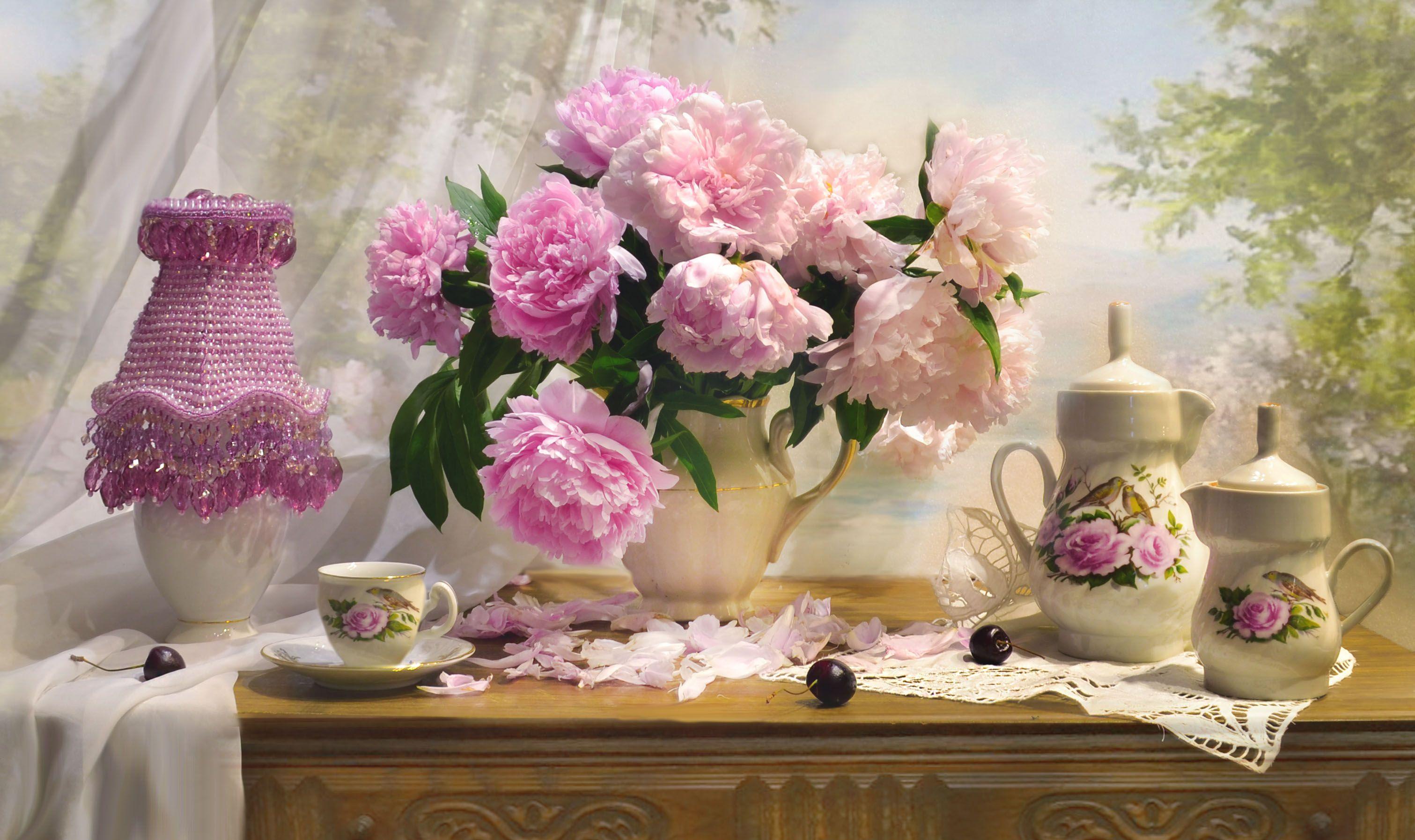 still life, натюрморт, цветы, фото натюрморт, пионы, настроение, лето, июль,  фарфор,настольная лампа, Колова Валентина