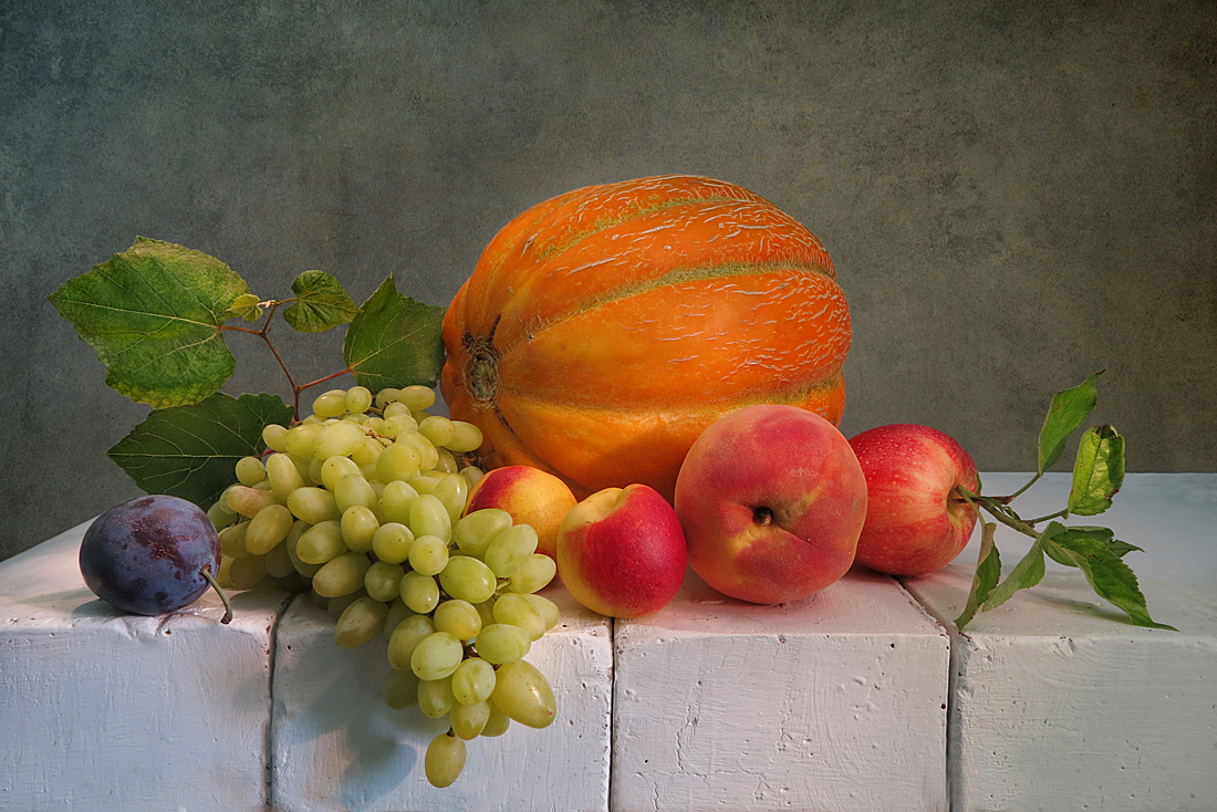 дыня,виноград,слива,персик,яблоко,кирпичи, Алла Шевченко