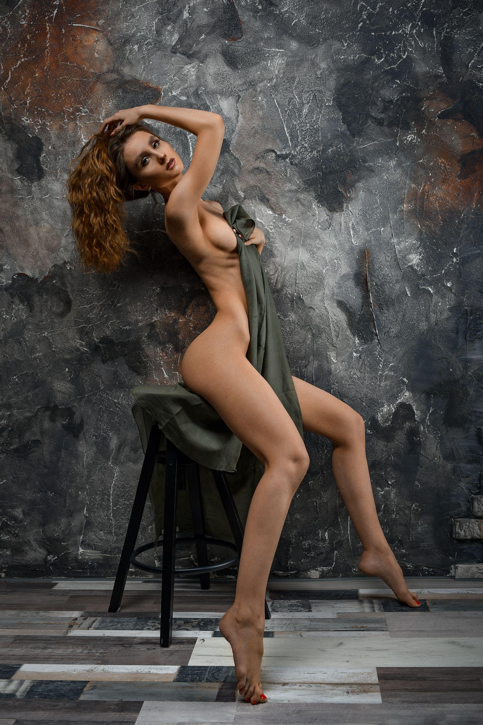 portrait girl at home red sexy, Медведь Дмитрий