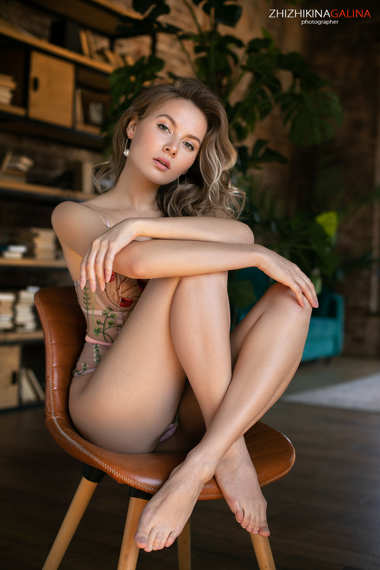 девушка, портрет, лицо, руки, прикосновение, girl, face, portrait, , Галина Жижикина