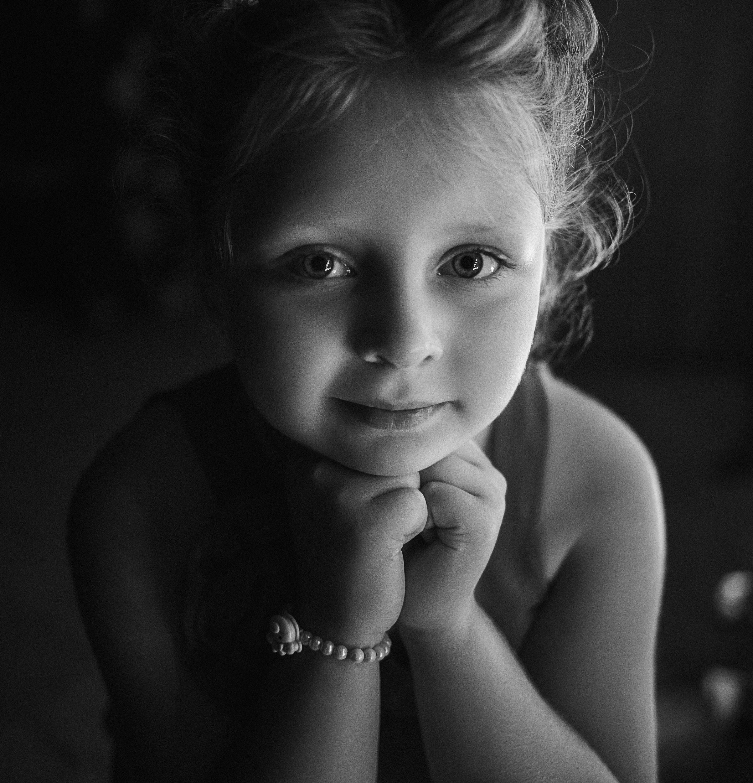 девочка, портрет, фотосессия, girl, young, portrait, творческий портрет, детский портрет, young girl, дети, children, детская фотография, детская фотосессия, постановка, постановочная фотография, чб, чёрно-белое фото, bw, black and white, Васильев Владимир