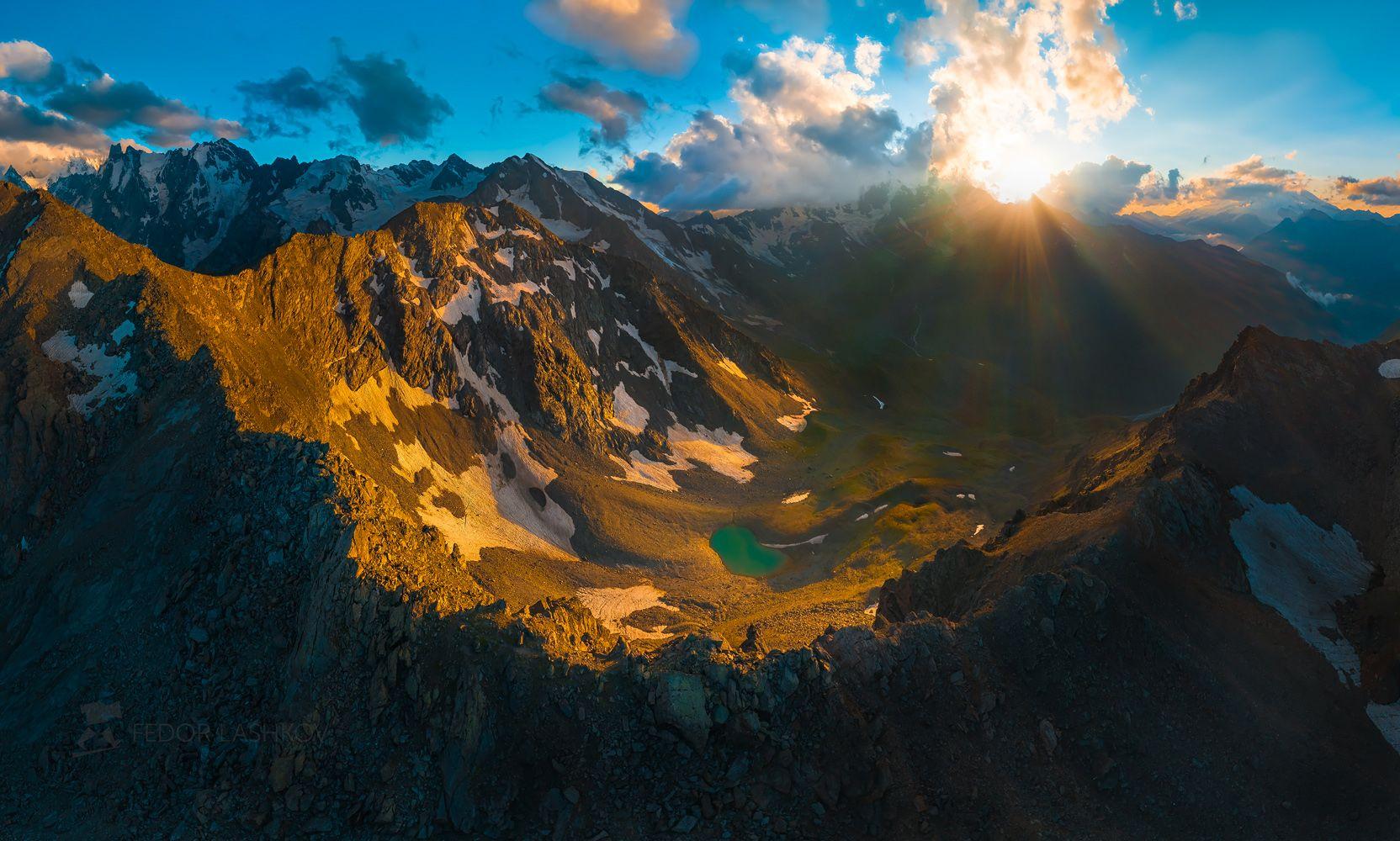северный кавказ, кабардино-балкарская, кавказский хребет, путешествие, юсеньги, горы, приэльбрусье, ледники, суровый, скалы, вершина, закат, освещение, тёмное, небо, облака, озеро, долина, хребет, перевал,, Лашков Фёдор