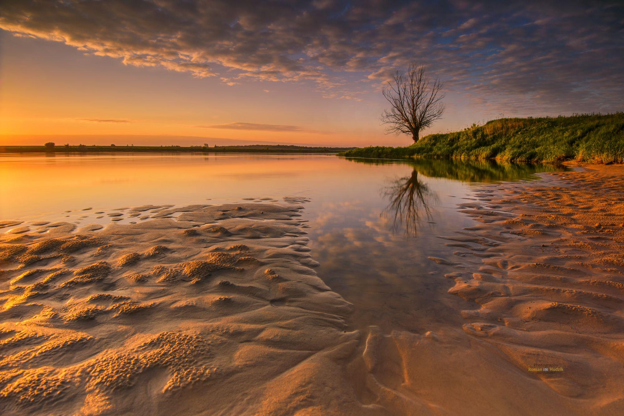 river, sunrise, lonely tree, sand, sky, clouds, landscape, Hudzik Roman