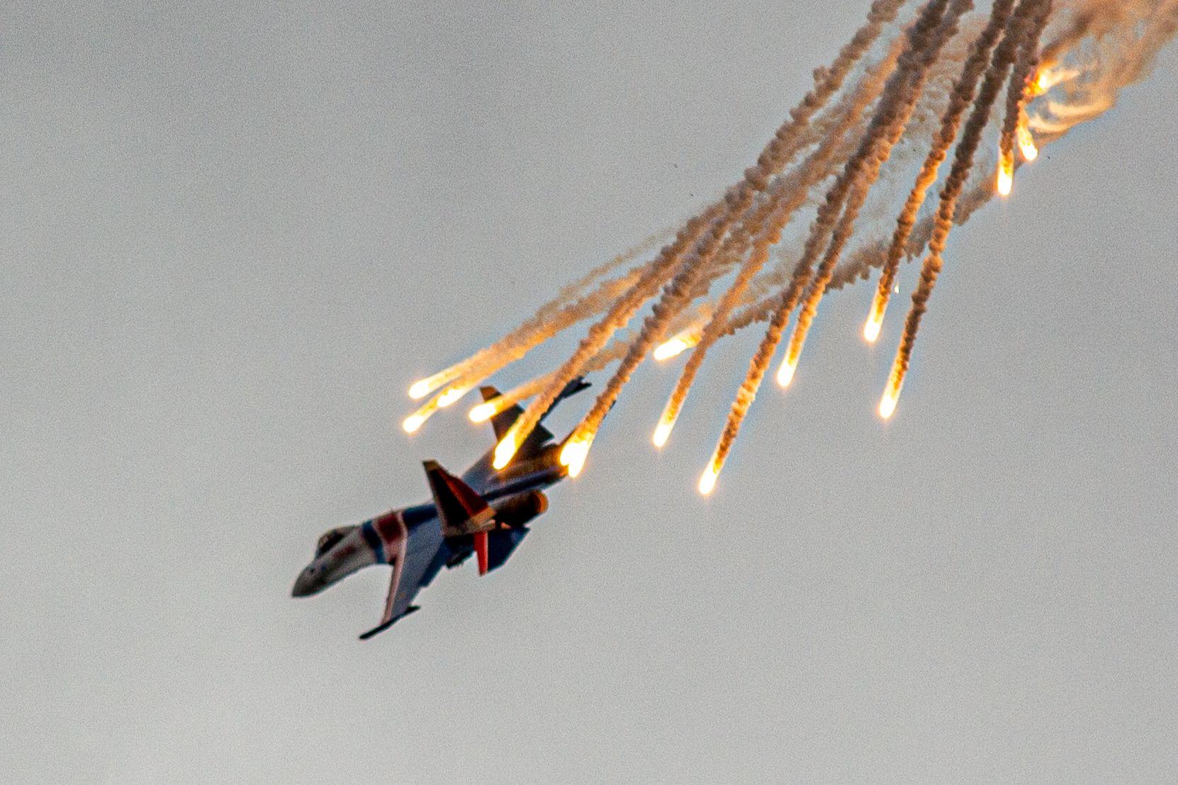самолет, облака, истребитель, СУ, МИГ, скорость, истребители, вооружение, россия, ВВС, самолеты, гром, Лашнев Сергей