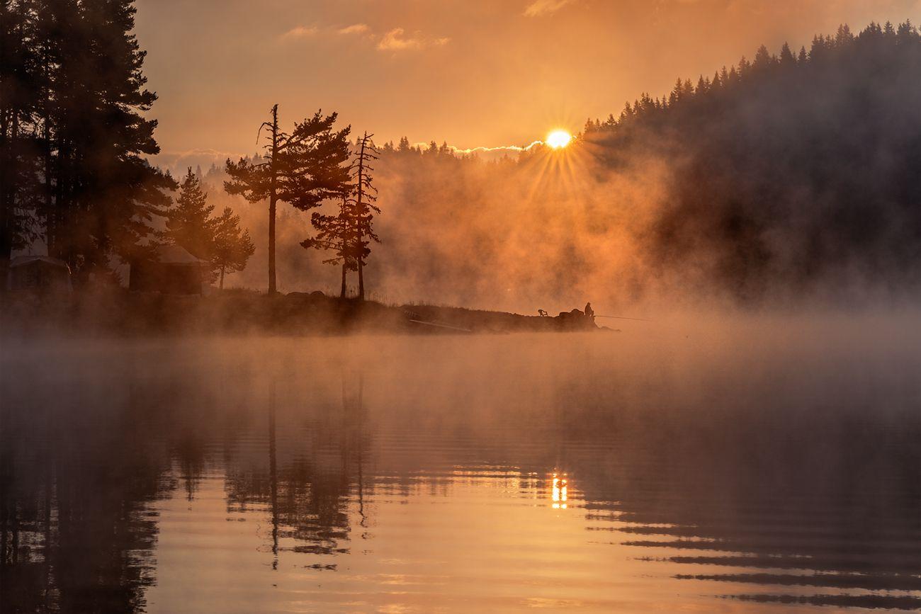 landscape nature scenery summer sunrise morning dawn lake reflection fog foggy mist misty clouds mountain trees пейзаж рассвет горы озеро, Александров Александър