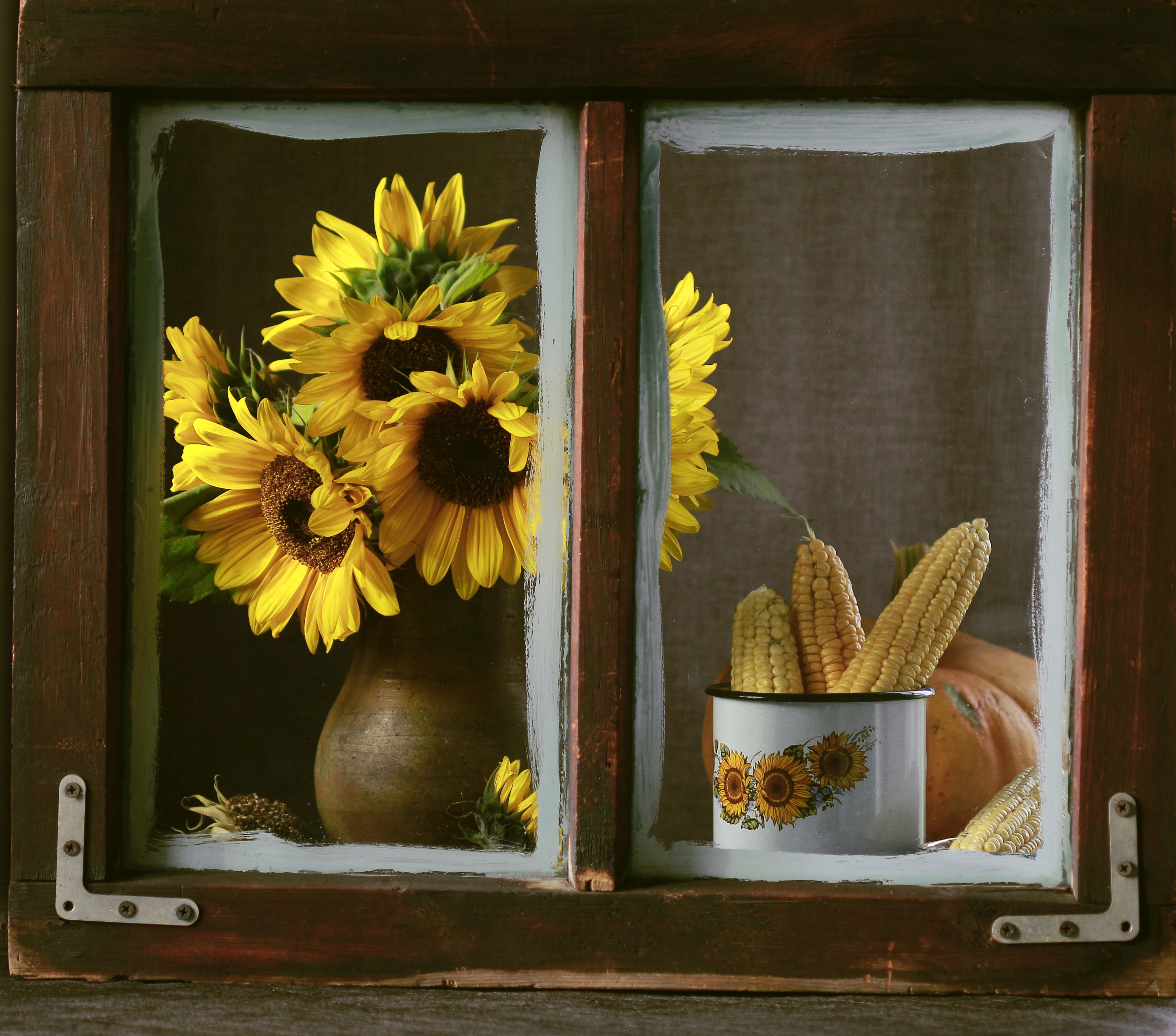 натюрморт, фотонатюрморт, окно, осень, кукуруза, подсолнухи, наталья казанцева, Казанцева Наталья