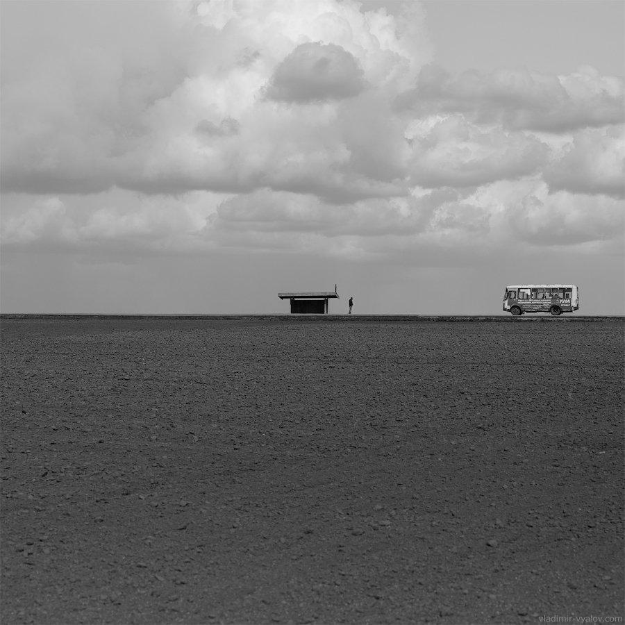 поле, одиночество, автобус, остановка, Владимир Вялов