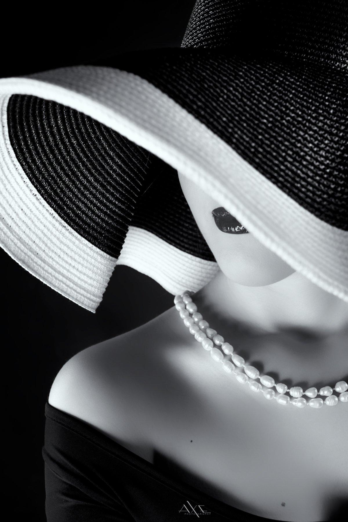 Beauty, Black and white, Curves, Hat, Lips, Portrait, Woman, Руслан Болгов (Axe)