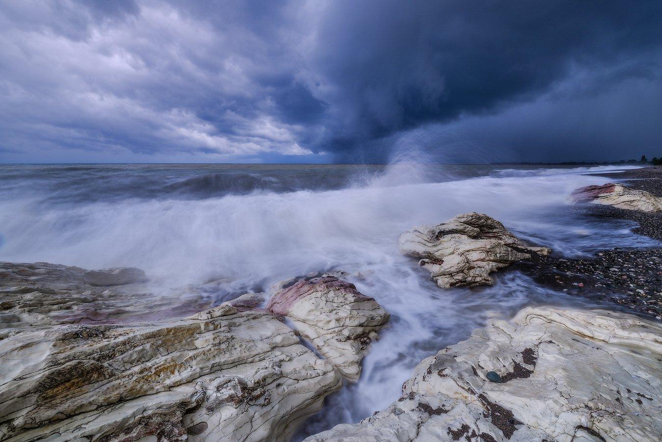 Абхазия, Белая скала, Черное море, Роман Горячий