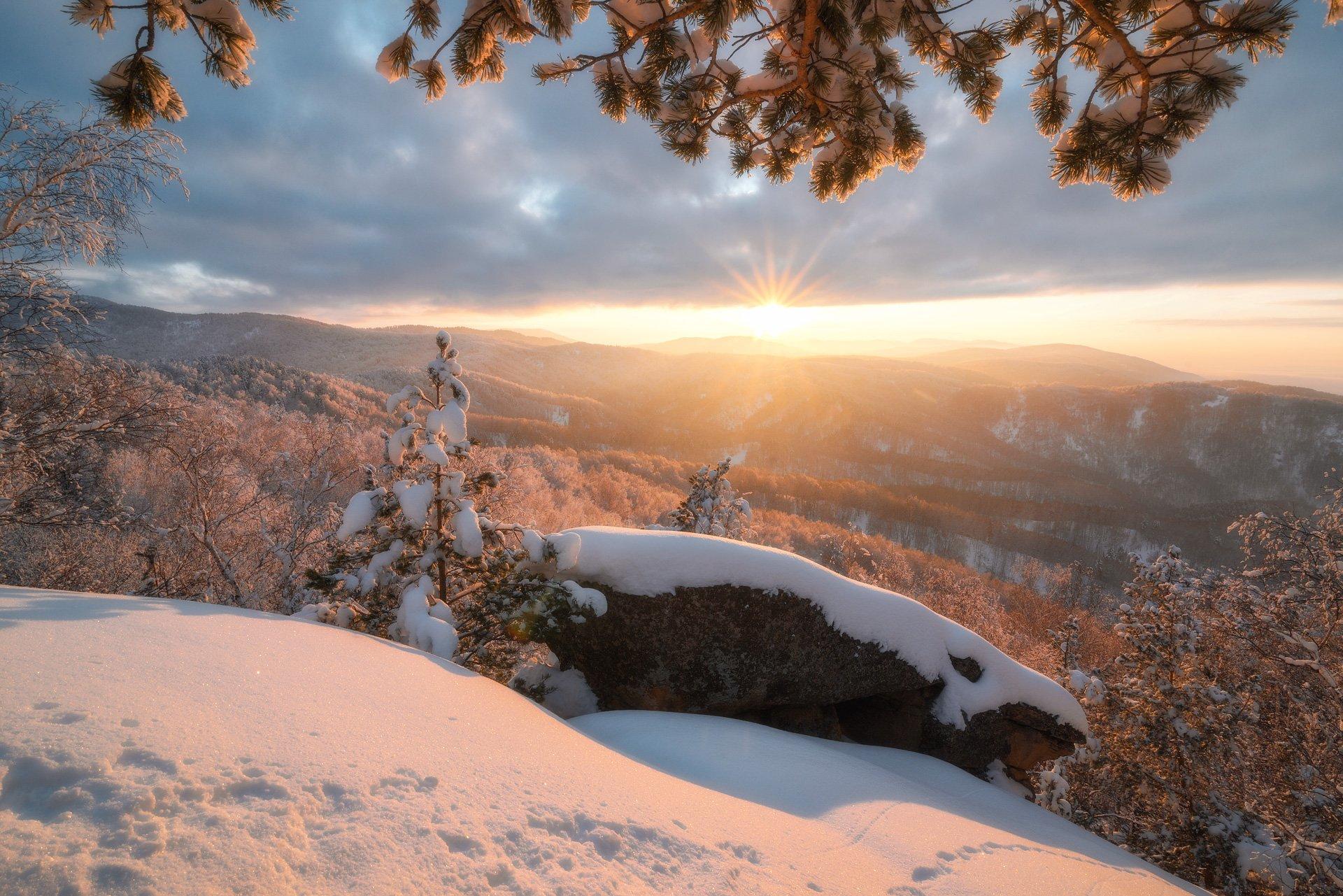 алтай, зима, снег, закат, солнце, горы, лес, вечер, скалы, Павел Силиненко