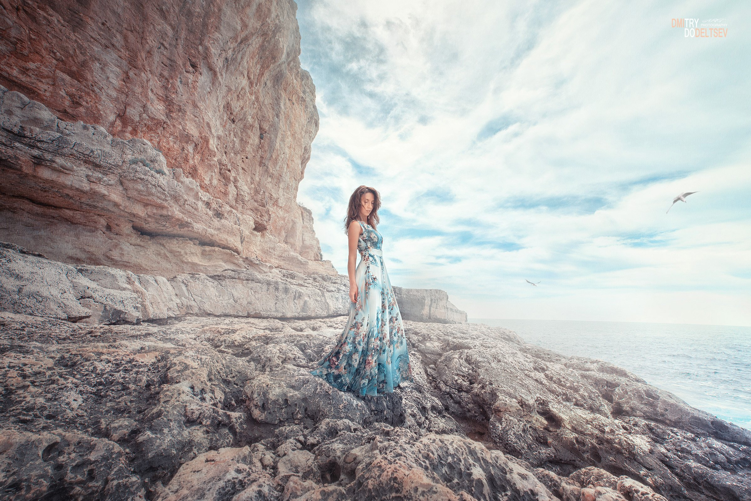 скалы, берег, море, девушка, камни, небо, чайки, облака, Дмитрий Додельцев