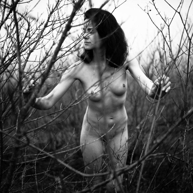 nu, nude, erotic, tree, bw, film, analog, 6x6, girl, woman, Алексей Бурнасов