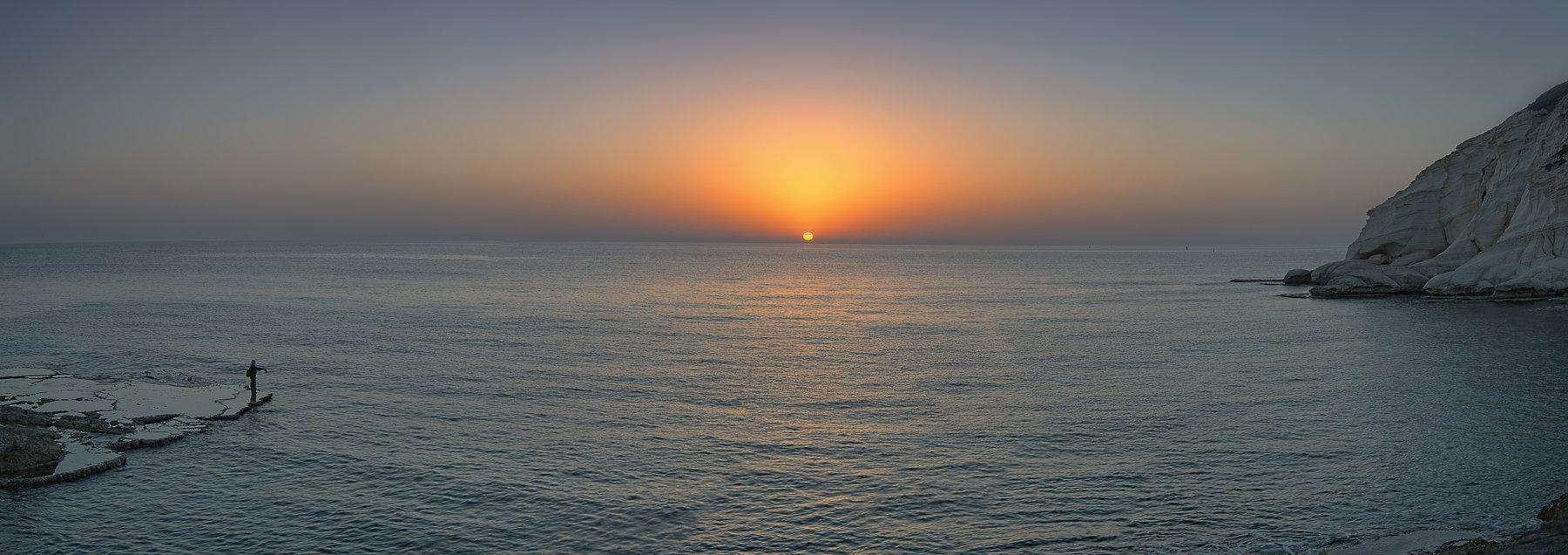 Закат солнце море скала Рош Аникра , Яновский Михаил