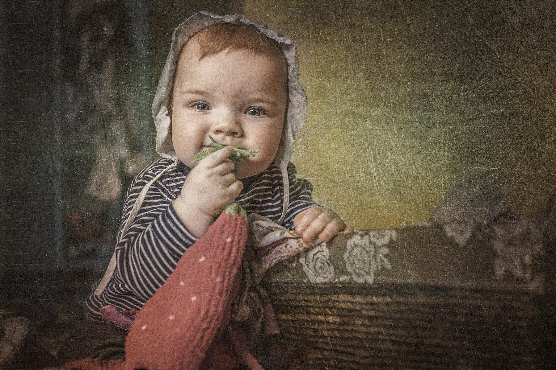 children,portrait,девочка,портрет,платок,улыбка, Olegs Bucis