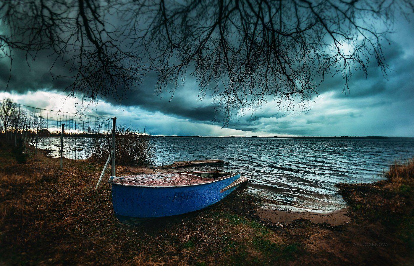 берег, тучи, лодка, вода, трава, березы, облака, дождь, ветер, весна, Афиногенова Татьяна