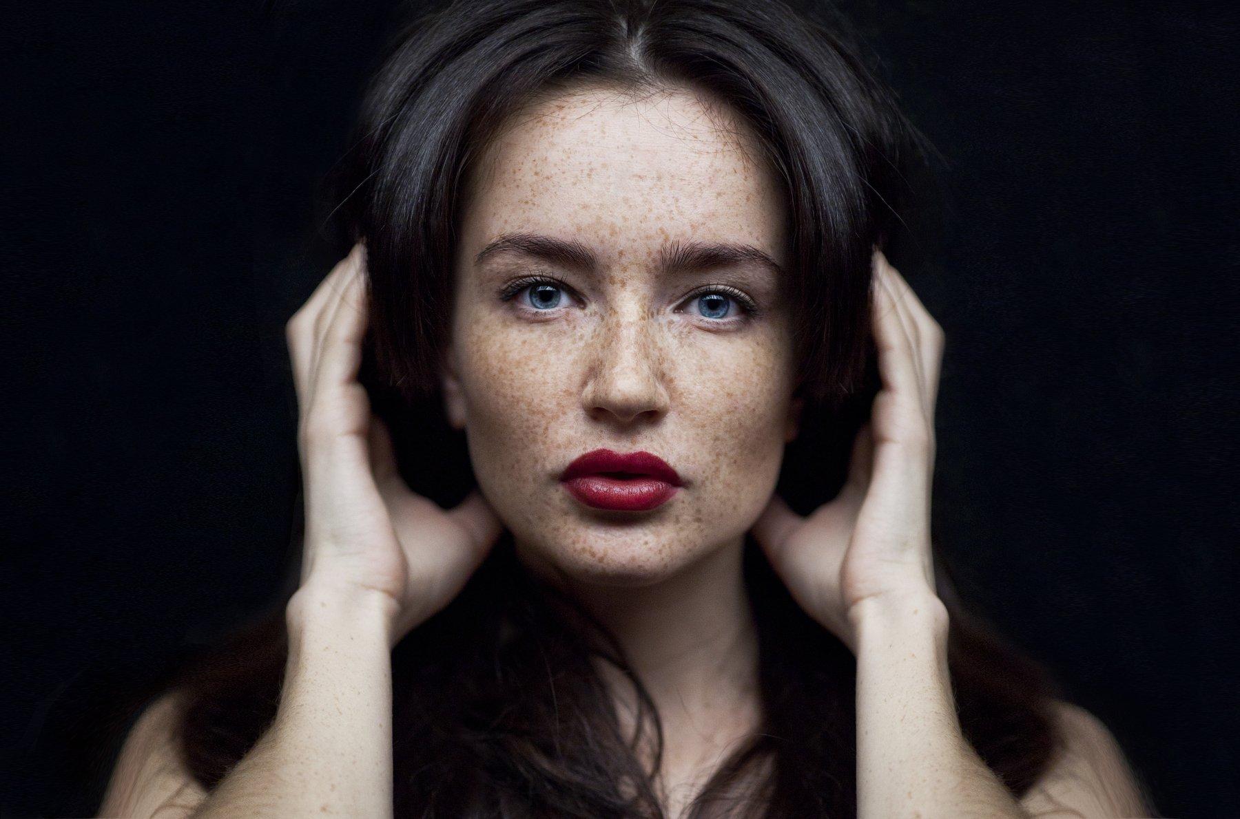 , Елена Воеводина