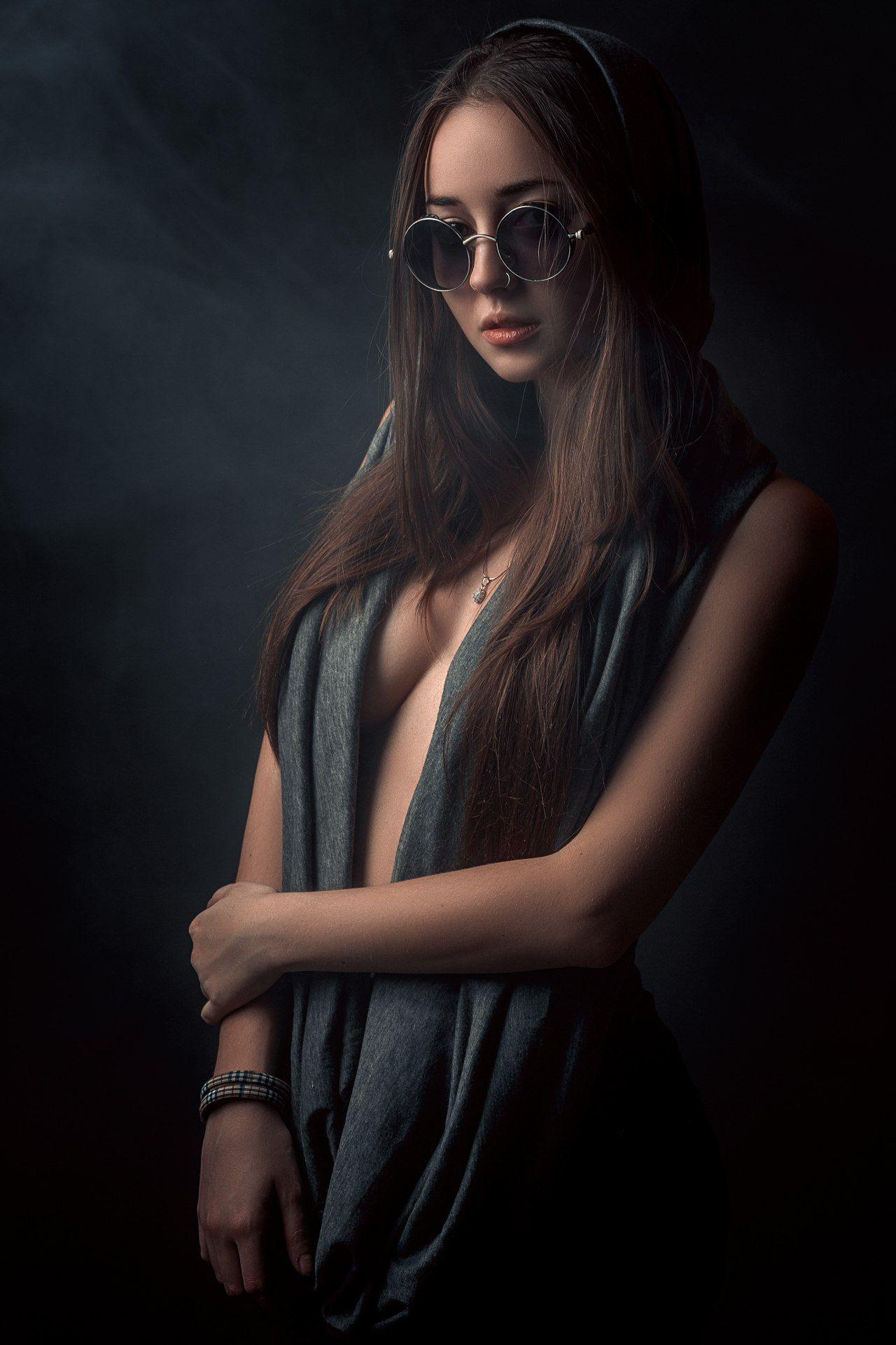 girl, model, portrait, light, eyes, emotion, hair, beauty, девушка, модель, свет, контраст, глаза, взгляд, эмоции, красота, Гладков Степан