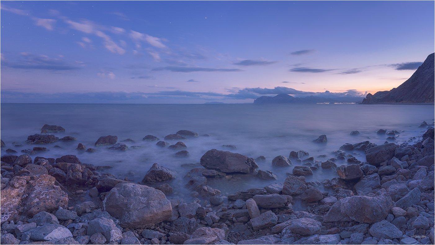 крым, панорама, закат, длинная выдержка, море, чёрное море, берег, камни, пляж, коктебель, кара-даг, вечер, морской пейзаж, небо, облака, горы, крымские горы, Jazz Man