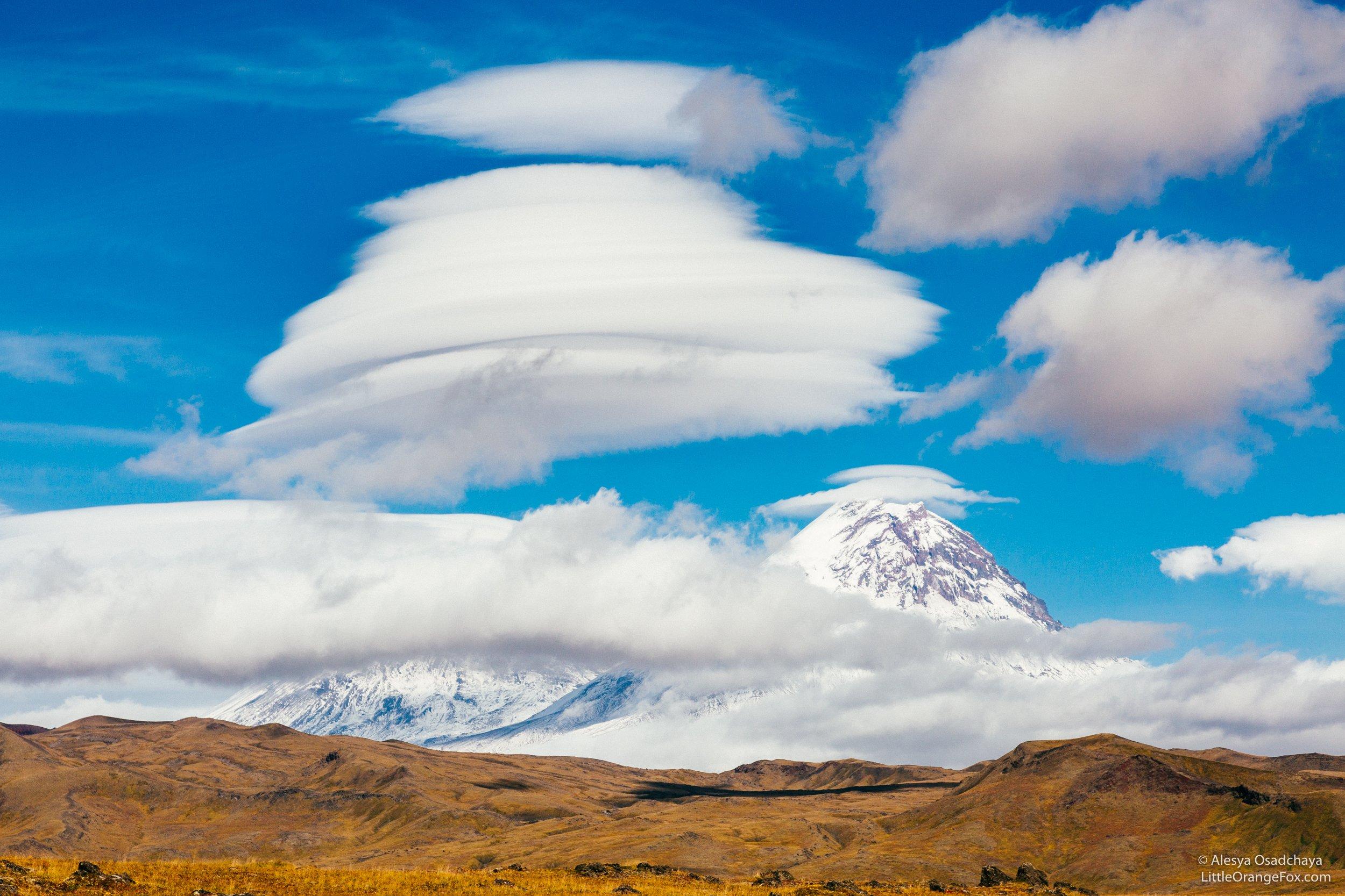 камчатка, вулканы, облака, лентикулярные облака, ключевская сопка, пейзаж, осень, россия, Осадчая Алеся