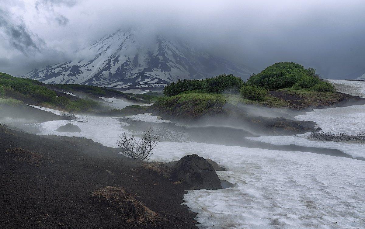 камчатка, вулкан, туман, сумерки,, Евгений Егорейченков