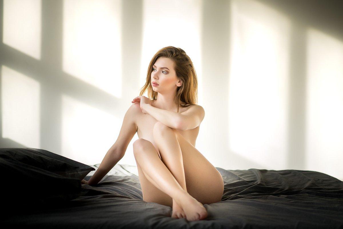 студия, фотосессия, ню, девушка, кровать, свет, Алексей Вымятнин