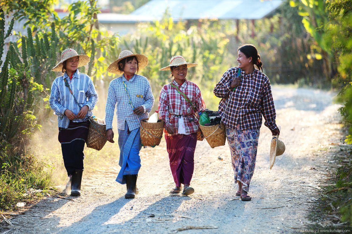 бирма,девушки,дорога,путь,улыбки,мьянма,Myanmar,Burma, Владимир Куцый (Vlad Kutsey)