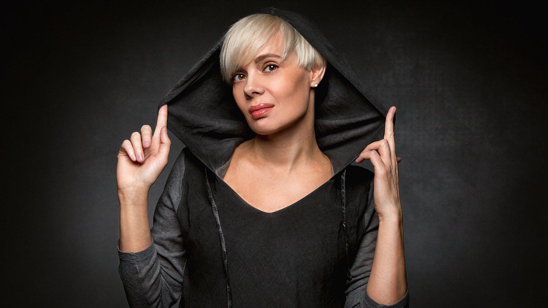 студийный портрет, черный, фон, студия, фотостудия, девушка, модель, Сухарь Александр