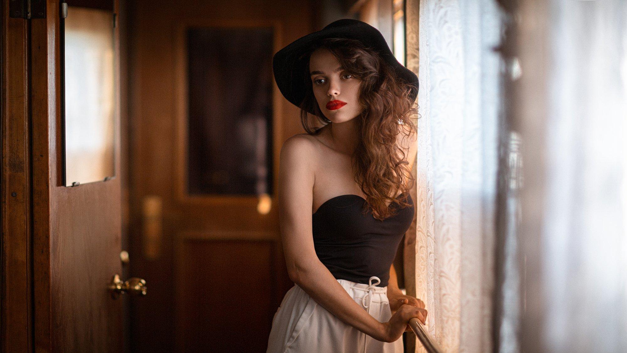 девушка, город, вечер, портрет, арт, поезд, Александр Куренной