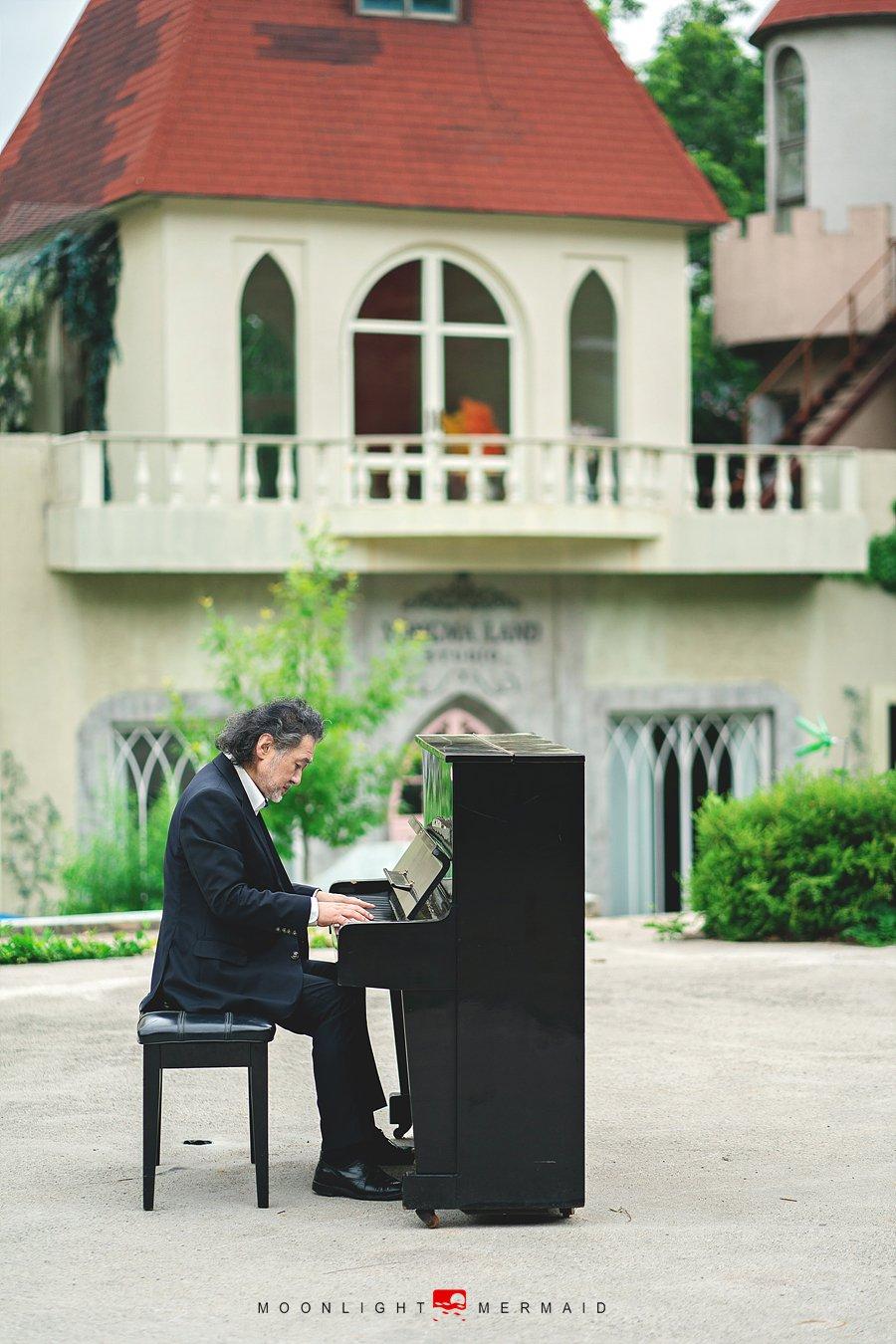 #piano #man #outdoor #gentleman #oldman , moonlight_mermaid
