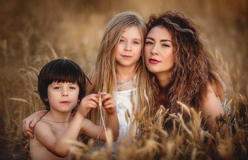 семья, портрет, семейный портрет, мама и дети, пшеница, семейное фото, Ганич Ирина