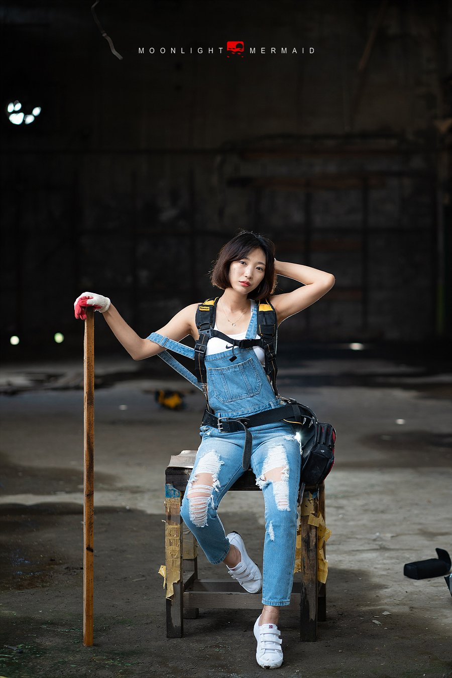#sexy #girl #woman #beauty #cute #light #night #red  #potrait #construction #female #factory #a9 #sony #tools, moonlight_mermaid