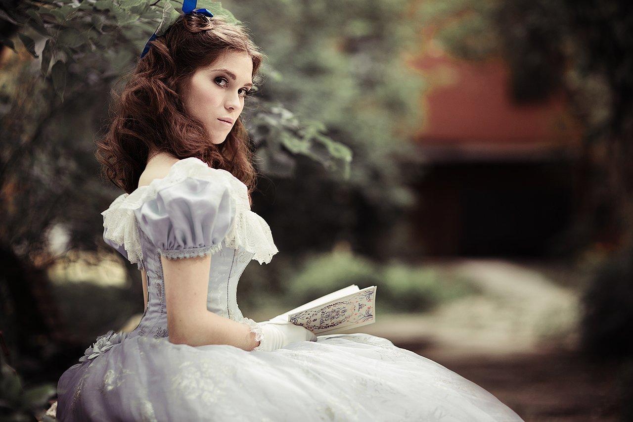 Скарлетт О'Хара, деввушка, постановка, сад, читает, литература, история, историческая съемка, Америка, Комарова Дарья