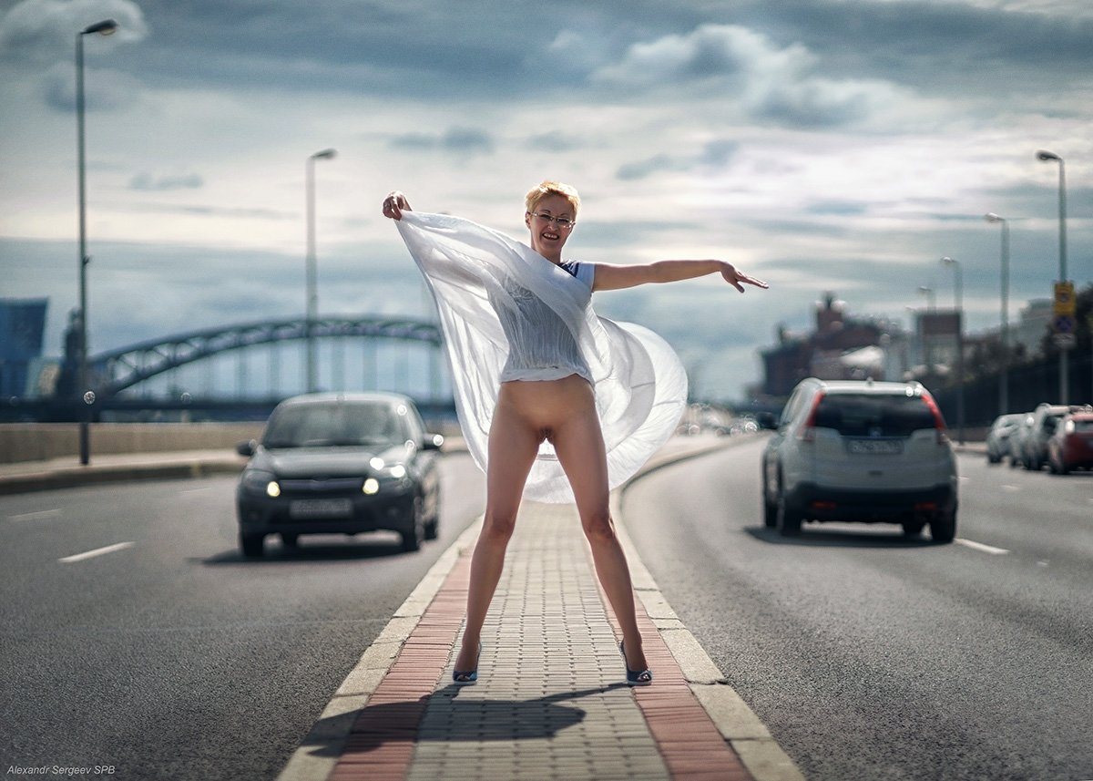 женщина,автострада,автостоп,обнаженная,хулиганим, Сергеев Александр